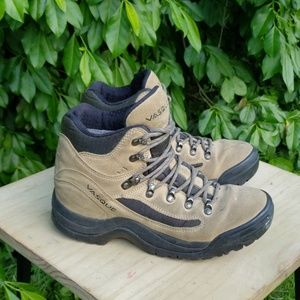 Vasque Hiking Boot. Size 8